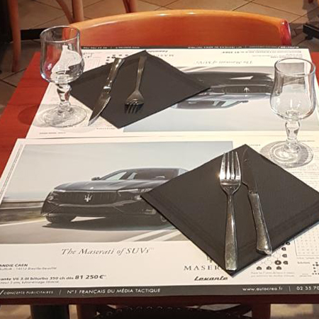 Set de table publicitaire Maserati